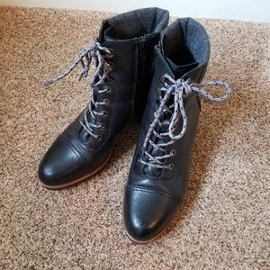 Ankle/combat boots